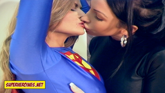 Jasmine Sinclair and Nina Leigh kissing on the lips