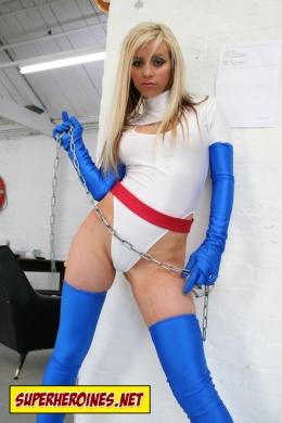 Lorena Linx as Power Girl