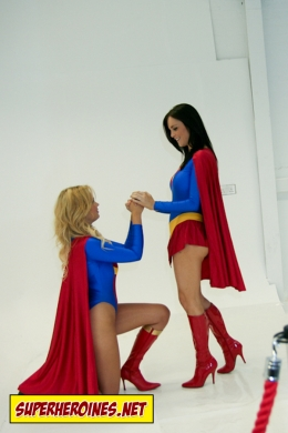 Sonic Girl Porchia Watson begging to Supergirl Emma Glover